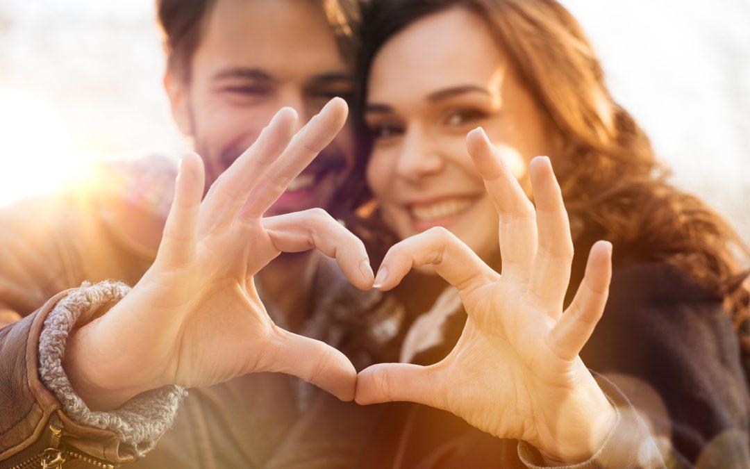 Czy praca i miłość idą w parze? Pracownicy o związkach w firmie